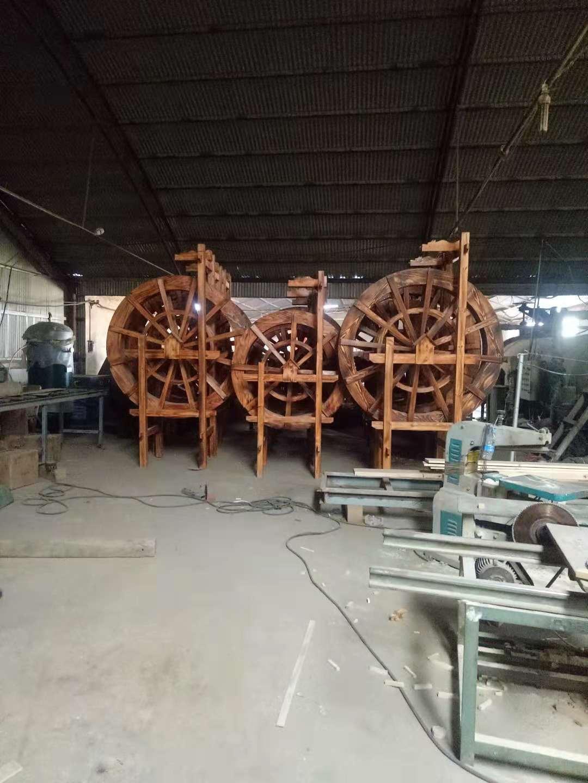 防腐木2米水车